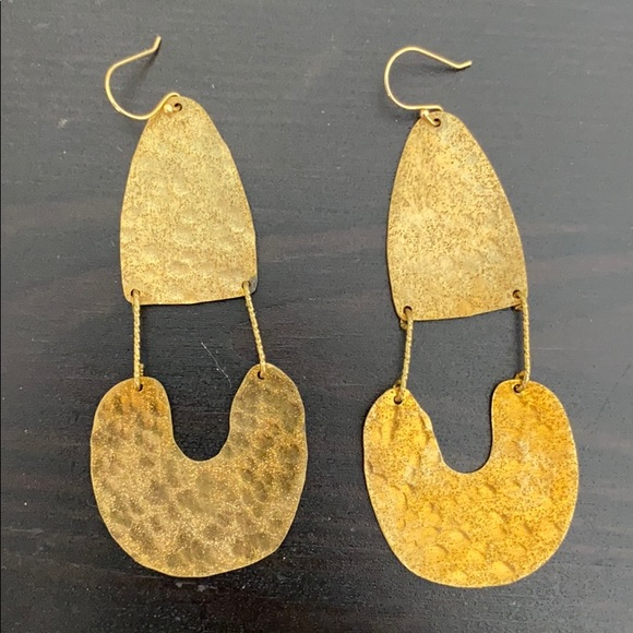 ANTHROPOLOGIE GOLD DANGLE EARRINGS